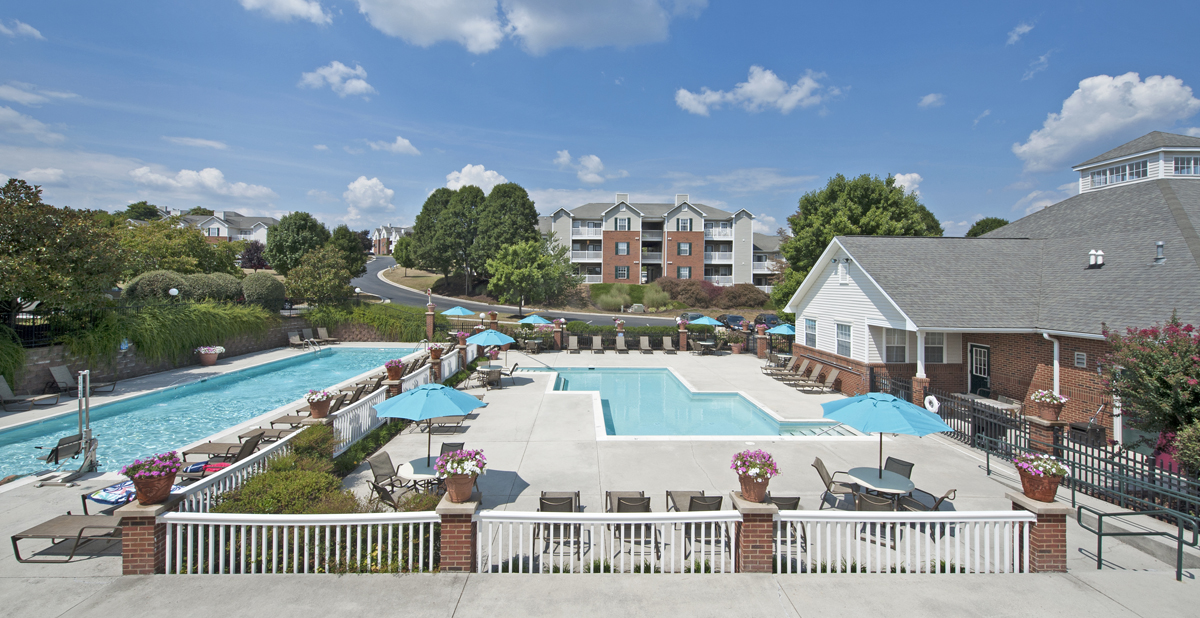 Glade Creek Apartments reviews | Apartments at 3343 Glade Creek Boulevard - Roanoke VA