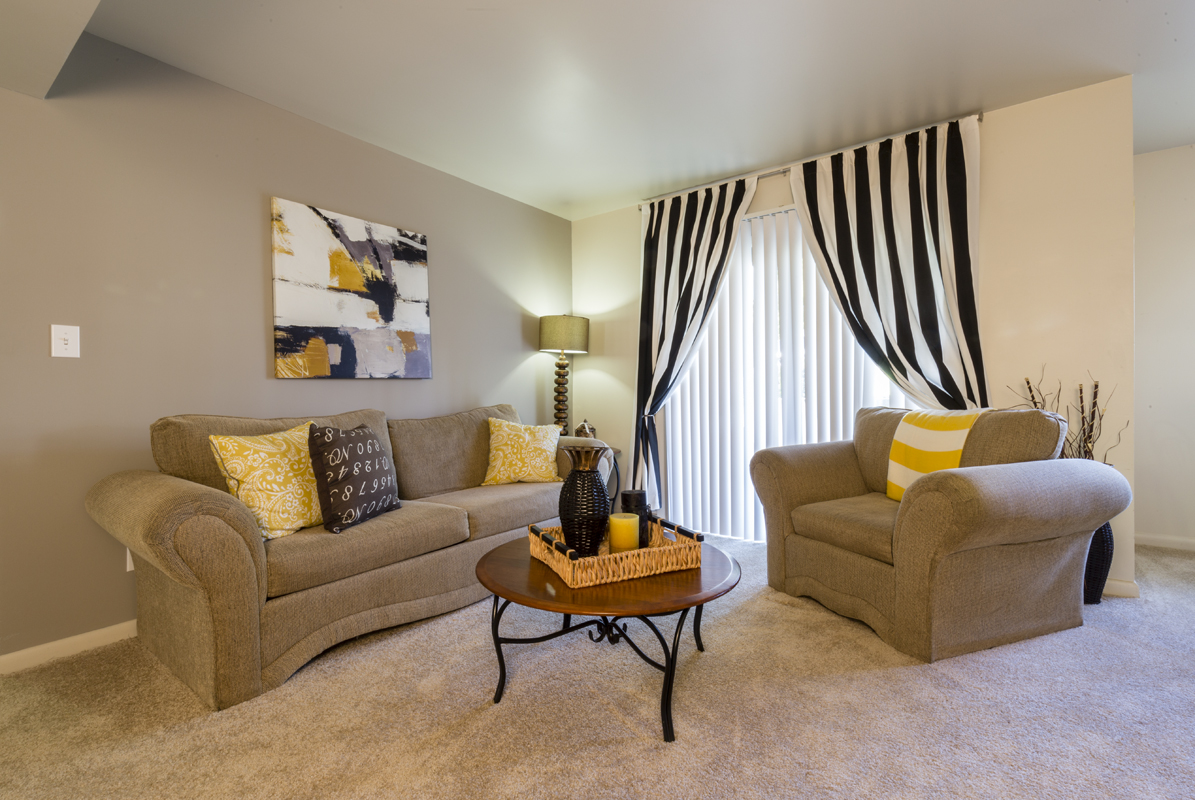 Hickory Woods Apartments reviews | Real Estate at 3006 Hickory Woods Drive - Roanoke VA