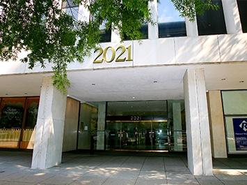 Dr. Steven A. Guttenberg reviews | Dentists at 2021 K ST NW - Washington DC
