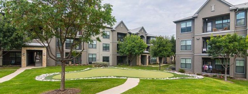 Bell Stonebriar Apartments | Apartments At 5250 Town And Country Boulevard    Frisco TX