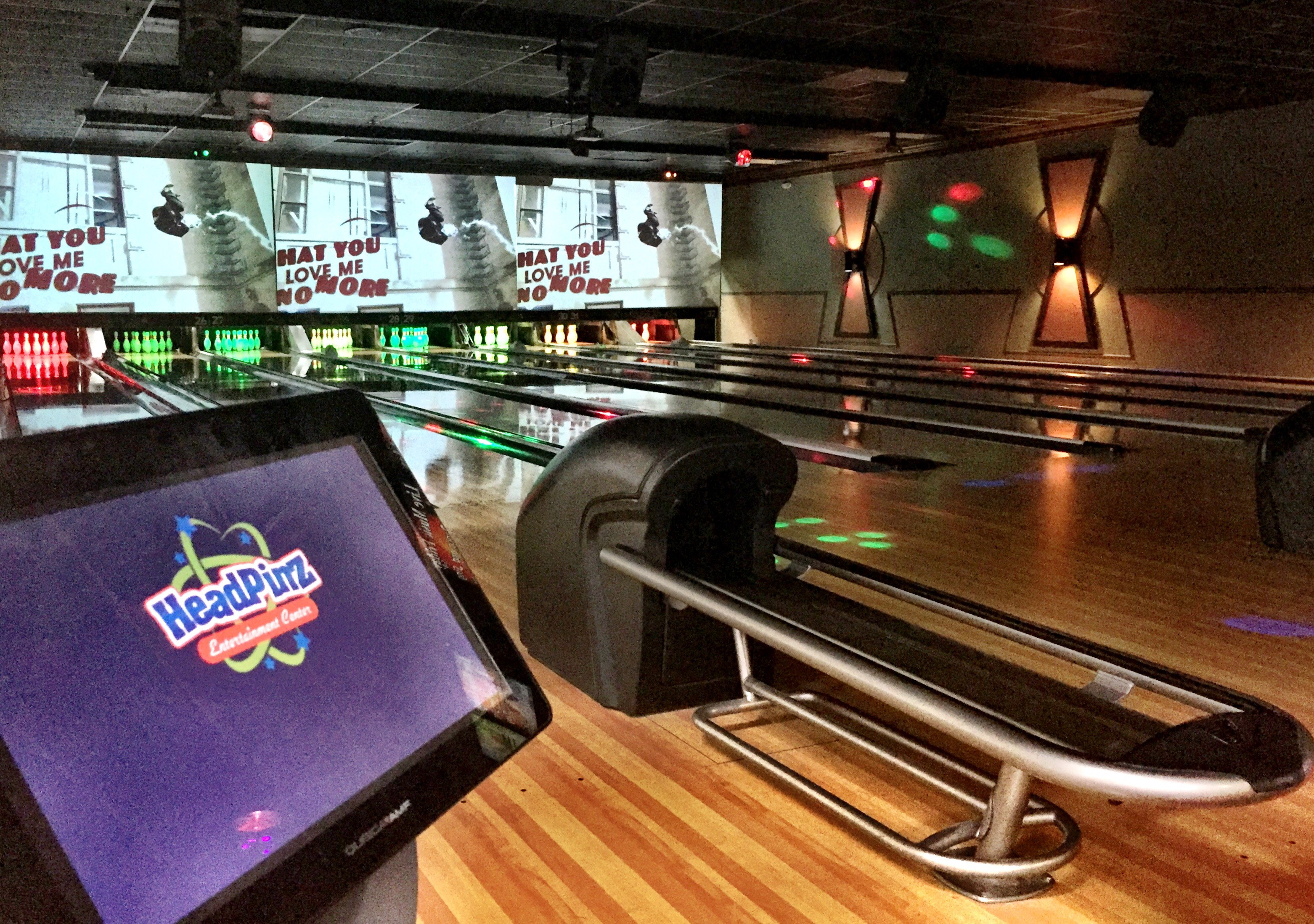HeadPinz Naples reviews | Bowling at 8525 Radio Ln - Naples FL