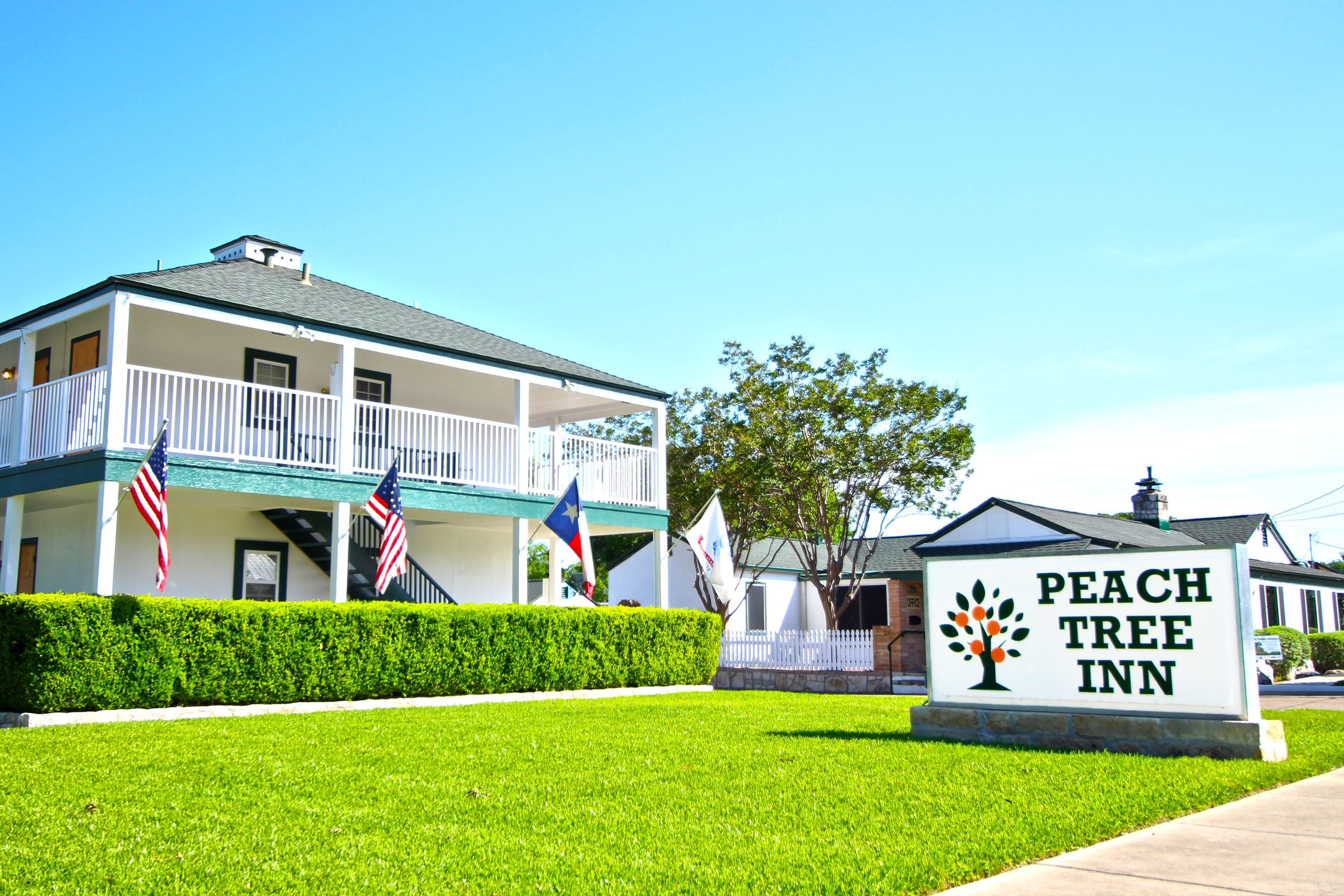 Peach Tree Inn & Suites reviews | Bed & Breakfast at 401 S Washington St - Fredericksburg TX