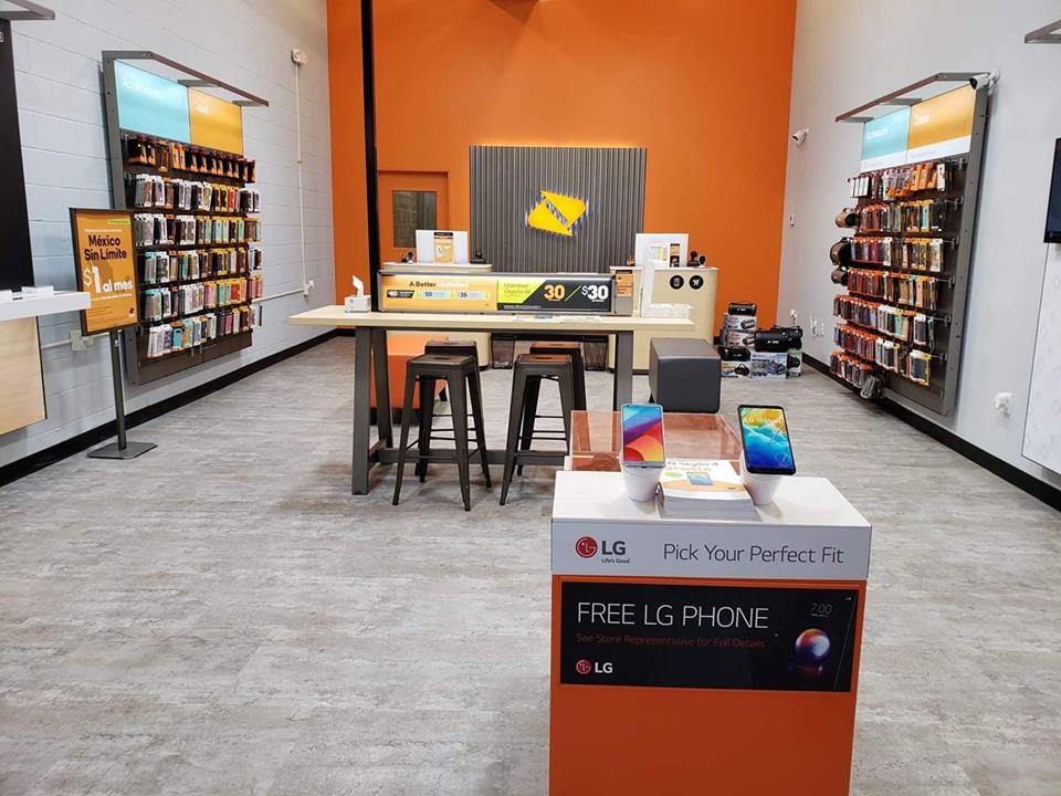 Boost Mobile reviews | Mobile Phone Accessories at 2037 NW Topeka Blvd - Topeka KS