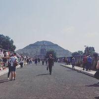 Kheyry Roussembherth EvCm review for David's Bridal Mexico