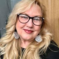 Lori Ott Meggitt review for Emagine Saline