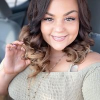 Samantha Lynette Young review for Crumbl Cookies - Burleson