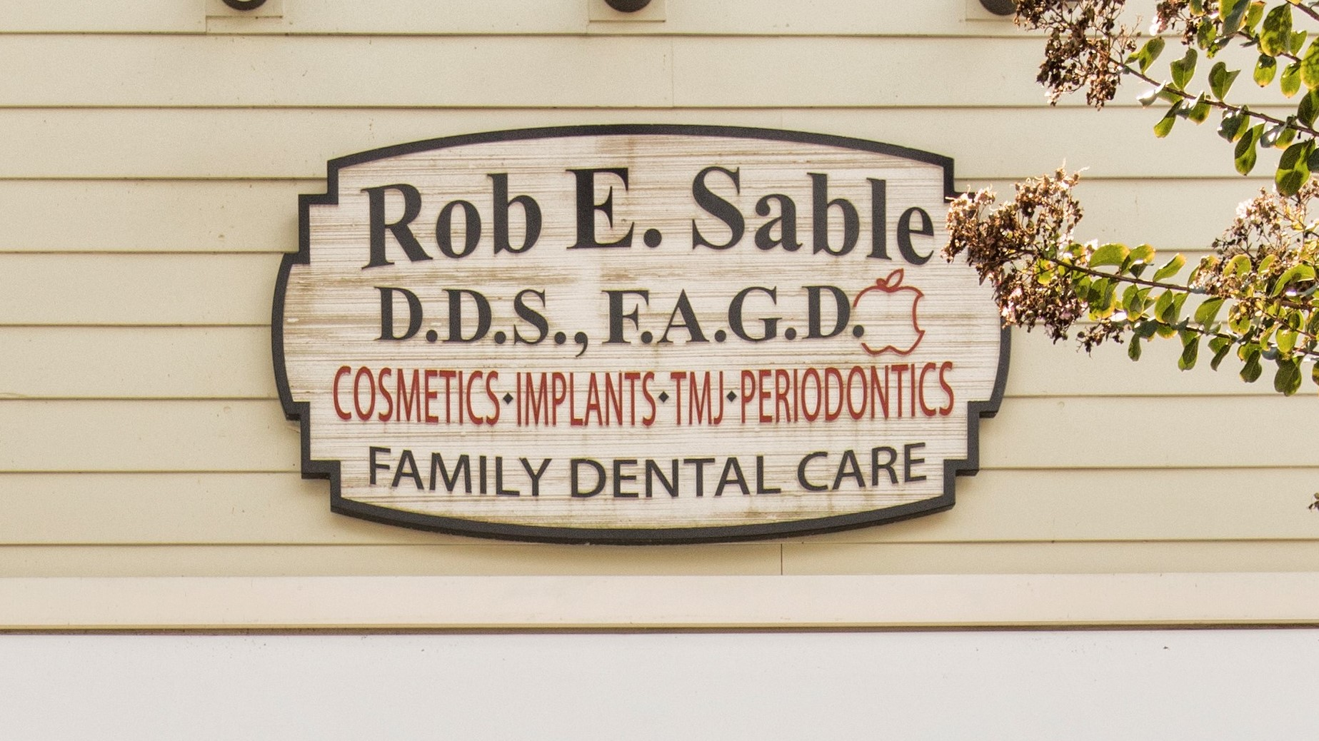 Rob E. Sable, DDS PC reviews | Cosmetic Dentists at 3005 Old Alabama Rd. - Alpharetta GA