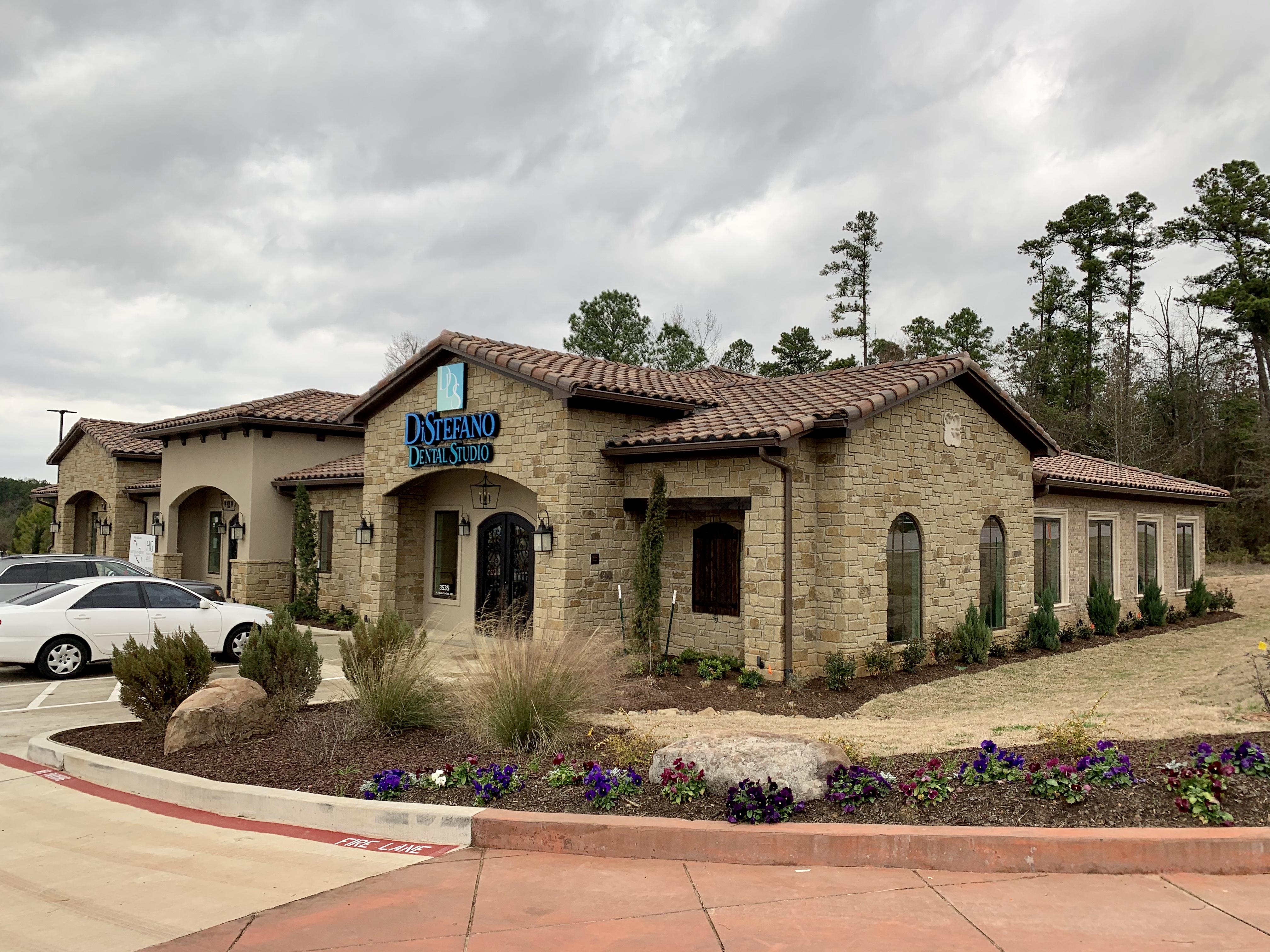 DiStefano Dental Studio reviews | Cosmetic Dentists at 3535 North Fourth Street - Longview TX