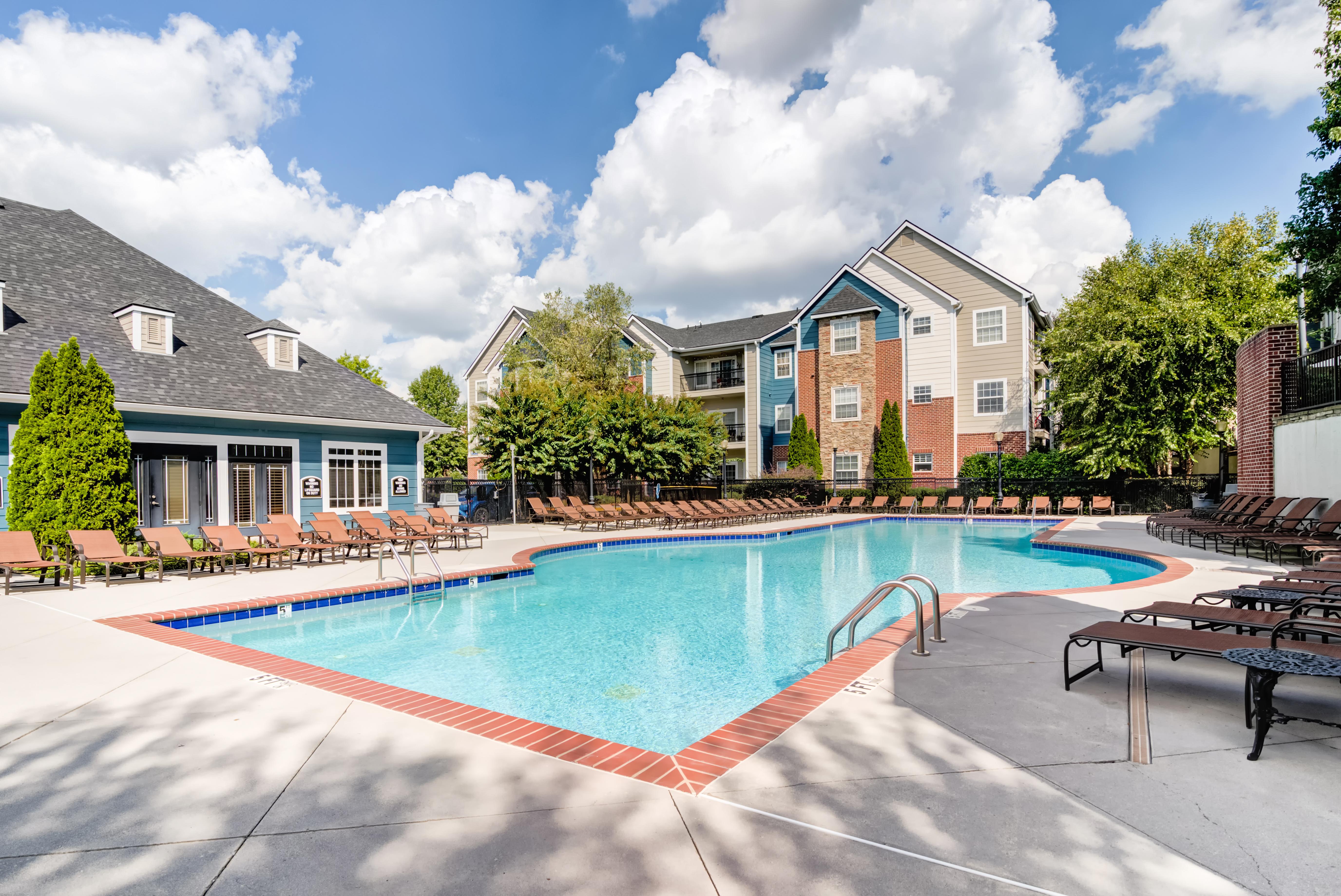 Society 865 reviews | Apartments at 2240 Grand Ave - Knoxville TN