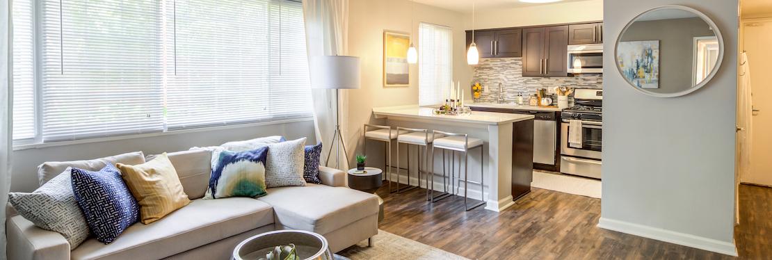 The Flats at Douglas reviews | Apartments at 2704 Kenwood Blvd - Toledo OH