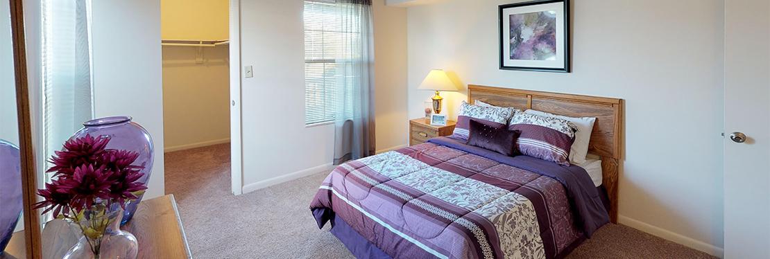 Crystal Lake Apartments reviews | Apartments at 5535 E Virginia Beach Blvd - Norfolk VA