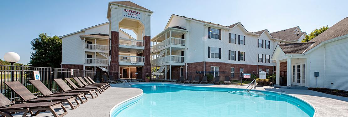 Gateway Lakes reviews | Apartments at 3799 Gateway Lakes Dr - Grove City OH