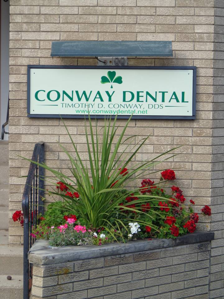 Conway Dental reviews | Dentists at 226 Washington St. - Woodstock IL
