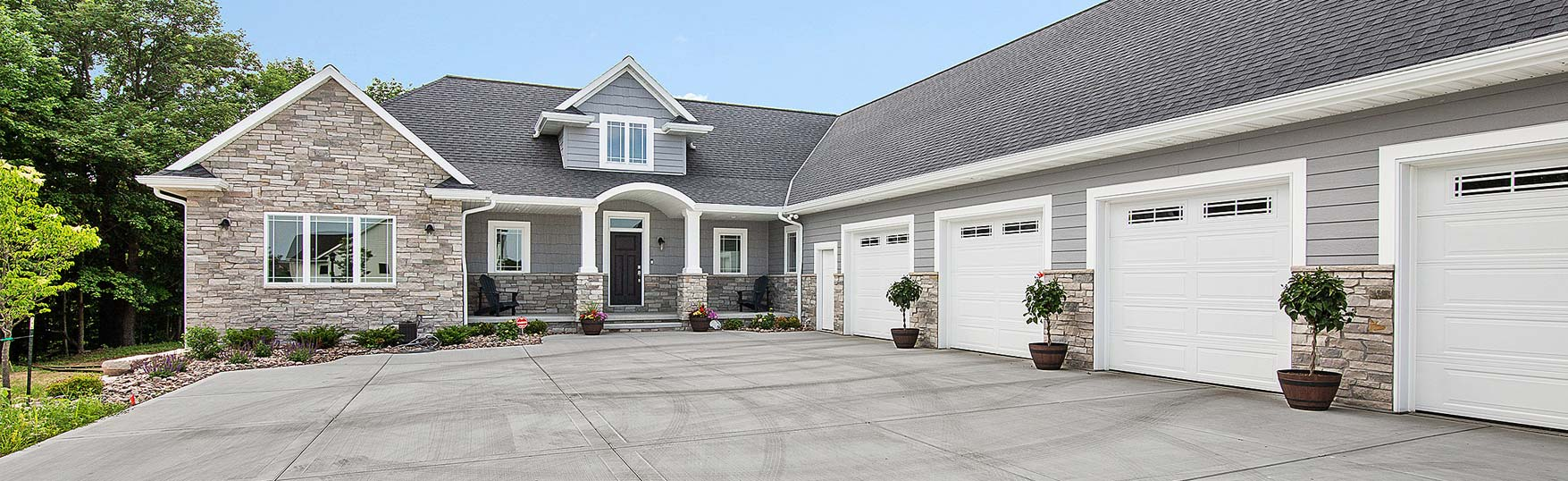 Thompson Homes, Inc. reviews   Home Builder at 2652 N Packerland Dr - Green Bay WI