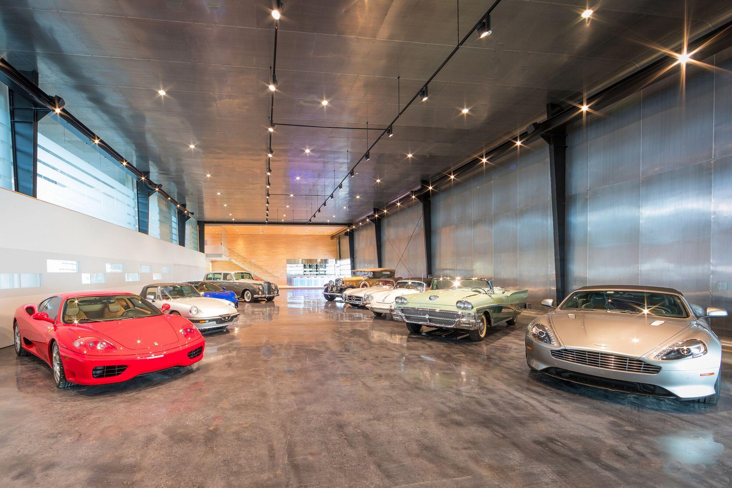 SouthEast Motors Brokers reviews | Car Brokers at 2949 Suffolk Dr - Fort Worth TX