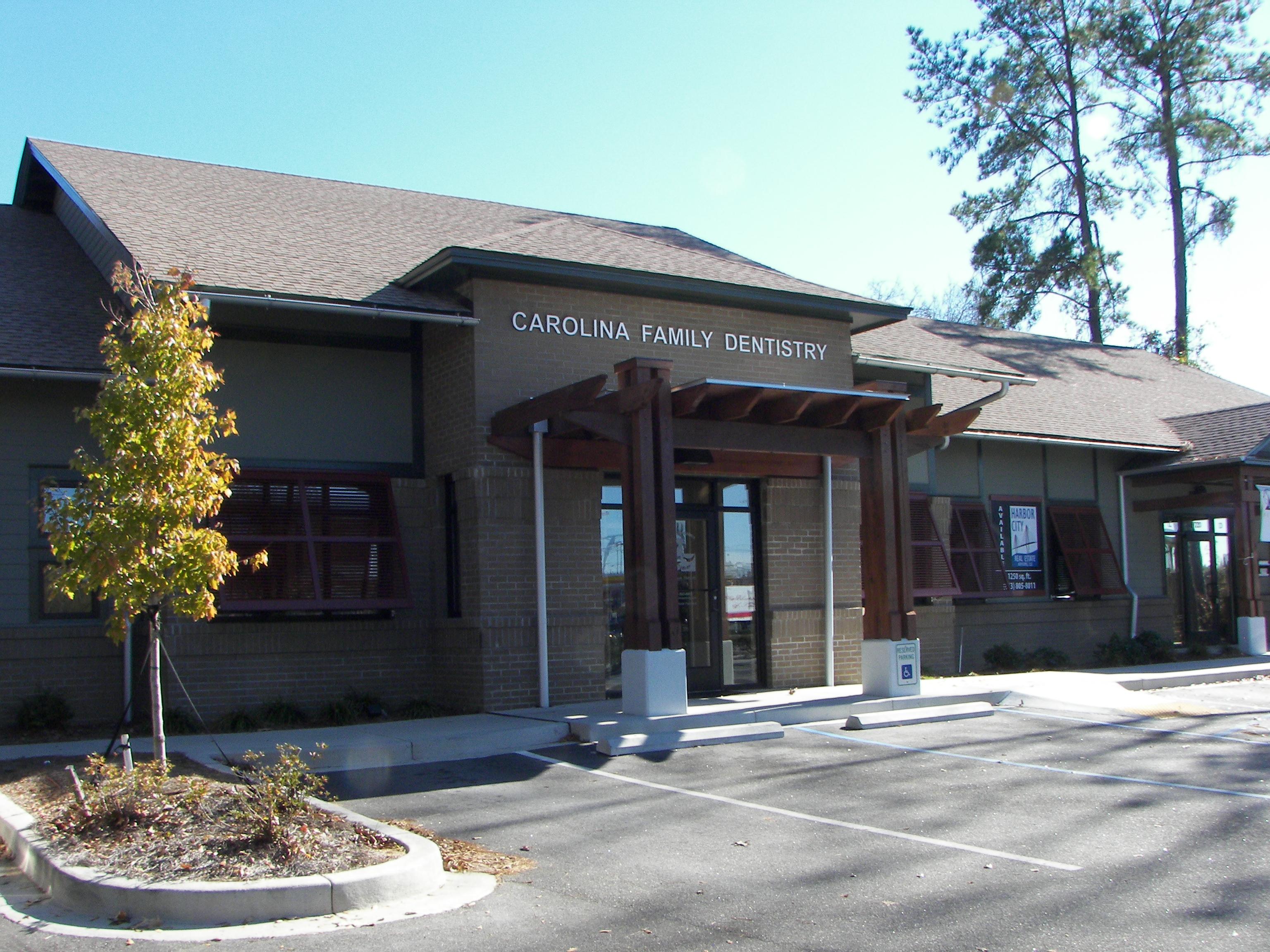 Carolina Family Dentistry-Dr. Ron Banik reviews   Cosmetic Dentists at 8720 North Park Blvd - North Charleston SC