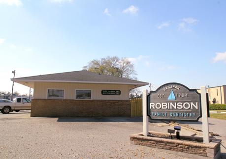 Robinson Family Dentistry reviews | Cosmetic Dentists at 1281 Yeamans Hall Rd - Hanahan SC